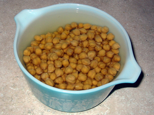 Bowl of soaked chickpeas
