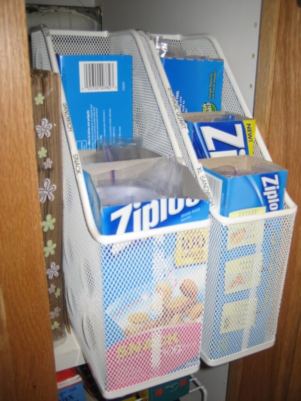 ziploc holder